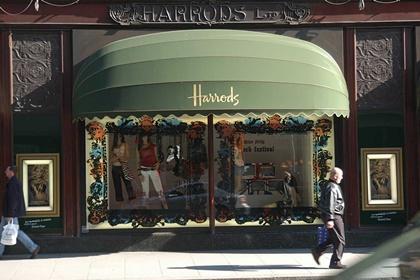 3052063_Harrods-front